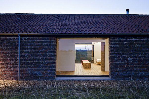 przebudowa-stodoły-na-dom-jak-odbudowac-stodole-konserwacja-unikatowy-dom-300