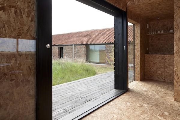 przebudowa-stodoły-na-dom-jak-odbudowac-stodole-konserwacja-unikatowy-dom-304