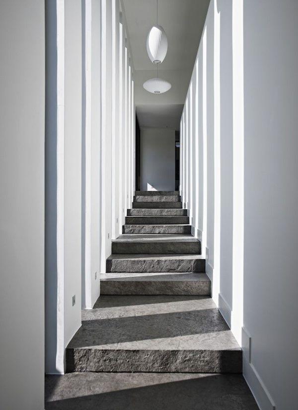 Korytarz-hall-przejscie-jak-zaprojektować-by-nie-był-ciemny-i-nudny-5