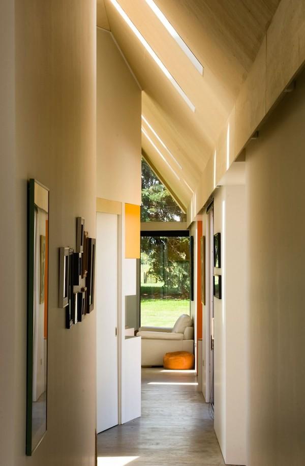 Korytarz-hall-przejscie-jak-zaprojektować-by-nie-był-ciemny-i-nudny-dom-10