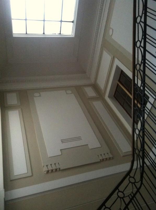 Korytarz-hall-przejscie-jak-zaprojektować-by-nie-był-ciemny-i-nudny-przykład-4