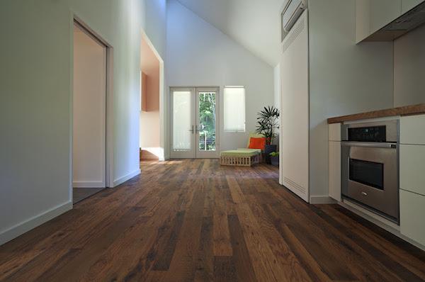 New-Norris-House-dom-energooszczedny-nowoczesny-zaprojektowany-i-wykonany-przez-studentow-uniwersytetu-na-sprzedaz-aukcja-2