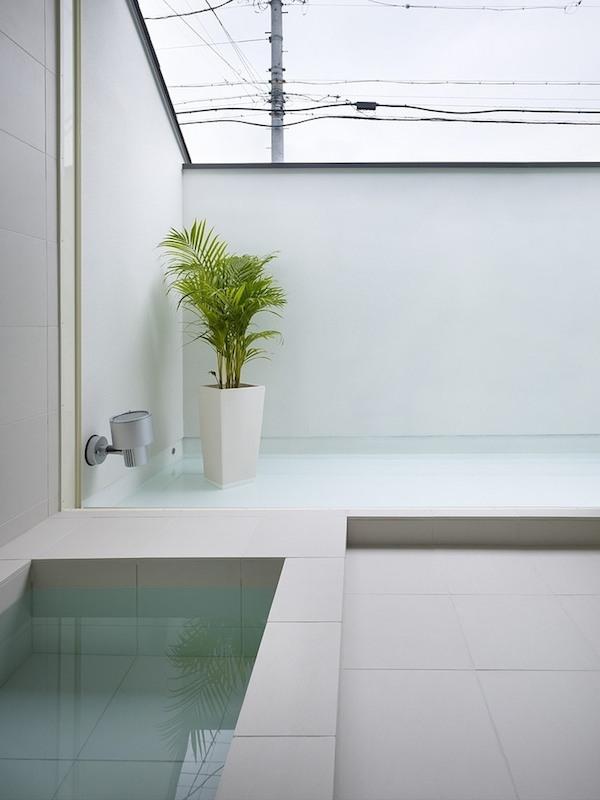 ogaki-house-jak-buduje-sie-w-japonii-nietypowy-budynek-na-wąską-działkę-nietypowy-projekt-z-dachem-dwuspadowym-12