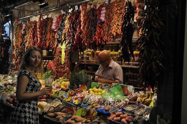 Stary Targ w Barcelonie La Boqueria-dlaczego place targowe sa wazne dla miasta-1