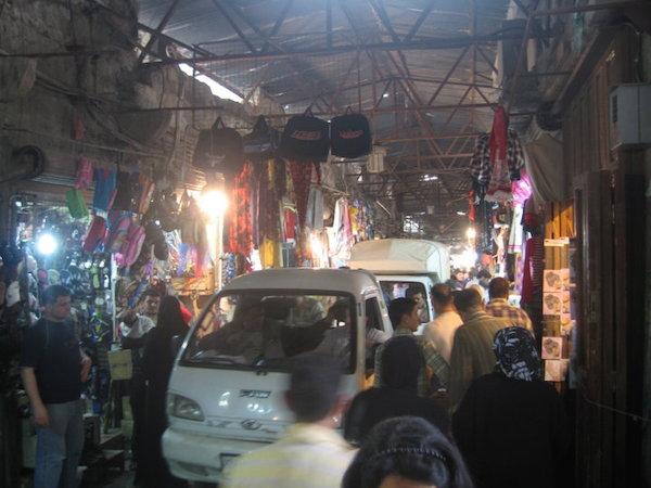 Syria-Aleppo-Suk-dlaczego place targowe sa wazne dla miasta-1