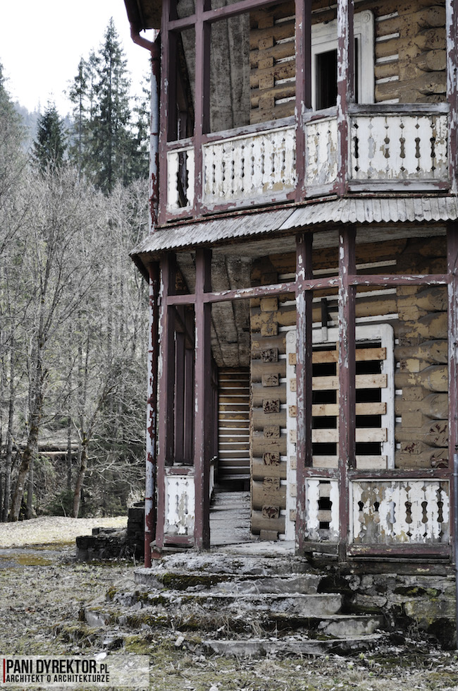 Dawno-temu-w-domu-stary-drewniany-pensjonat-w-gorach-na-slowacji-zdiar-architektura-uzdrowiskowa-7