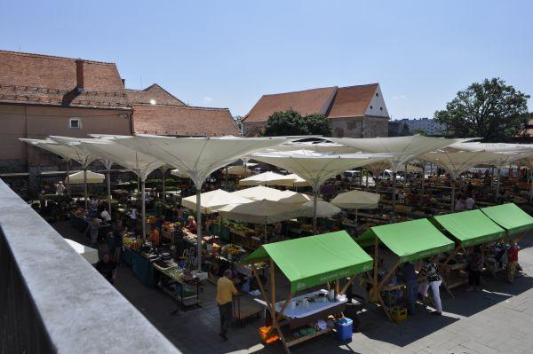 Maribor-Pani_Dyrektor-Piekne-miejsca-w-europie-do-zobaczenia-inspiracje-o-architekturze-miasta-9