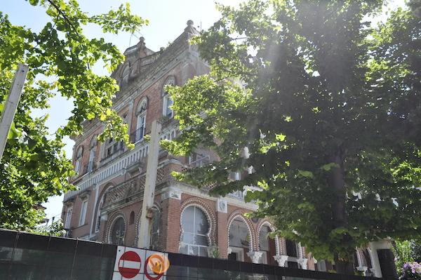 Dawno-temu-w-domu-hotel-w-stylu-hiszpansko-mauretanskim-wlochy-pineto-architektura-pani-dyrektor-12