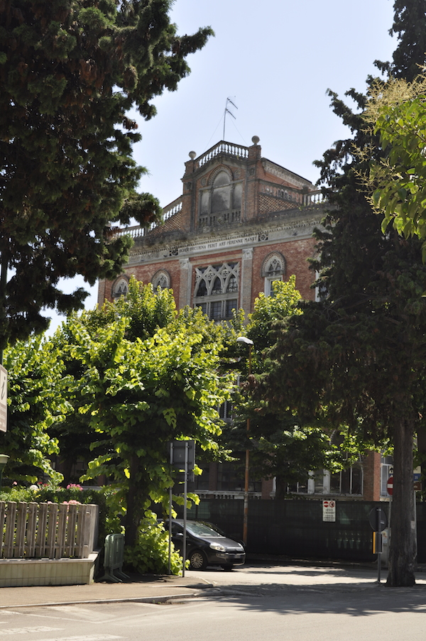 Dawno-temu-w-domu-hotel-w-stylu-hiszpansko-mauretanskim-wlochy-pineto-architektura-pani-dyrektor-14