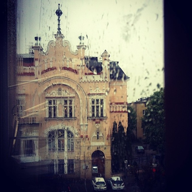 Blog-architektoniczny-pani-dyrektor-impresje-23-deszczowy-wieczór-architektury