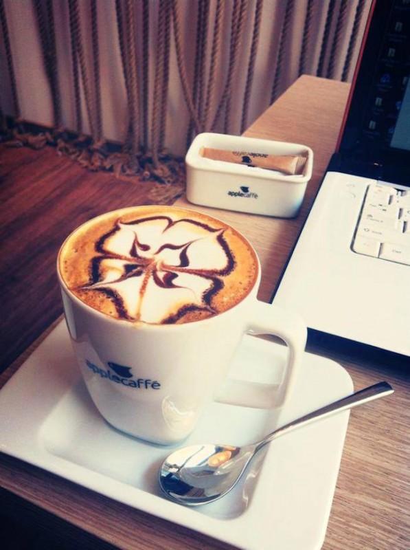 Blog-architektoniczny-pani-dyrektor-impresje-5a-kawiarnia-apple-coffe-w-warszawie