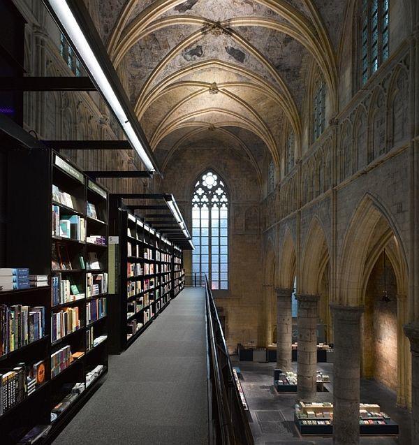 kościoły-zamienione-przeprojektowane-na-budynki-uzytecznosci-publicznej-muzea-kawiarnie-domy-biura-10a