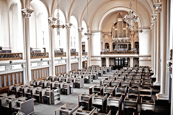 kościoły-zamienione-przeprojektowane-na-budynki-uzytecznosci-publicznej-muzea-kawiarnie-domy-biura-9