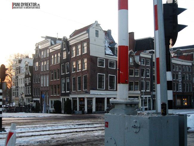 Amsterdam-miasto-blog-o-architekturze-podroze-kamienice-przestrzen-ciekawostki-ze-swiata-5