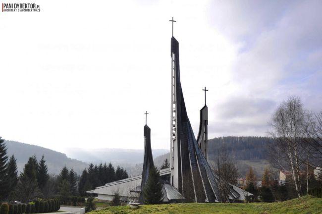 kościół-w-ustrzykach-dolnych-polska-architektura-sakralna-blog-architektoniczny-03