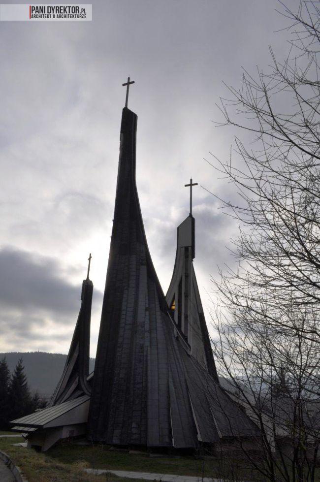 kościół-w-ustrzykach-dolnych-polska-architektura-sakralna-blog-architektoniczny-04
