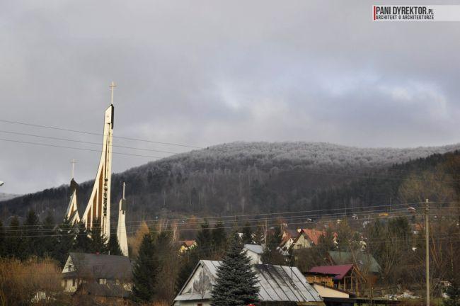 kościół-w-ustrzykach-dolnych-polska-architektura-sakralna-blog-architektoniczny-09