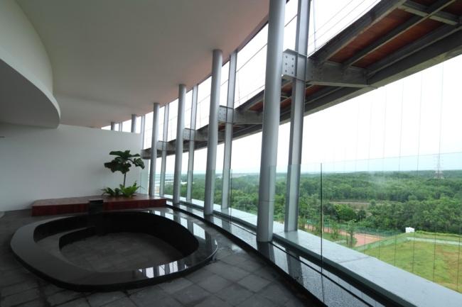 nowoczesny_budynek_przemysłowy_zieleń_w_budynku_budynek_w_zieleni_nowoczesny_projekt_realizacja_22