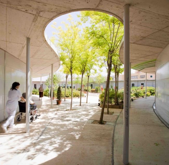 Domy spokojnej starosci moga tez zachwycac - nowoczesna architektura i nowoczesny obiekt-santa rita-nursing home00