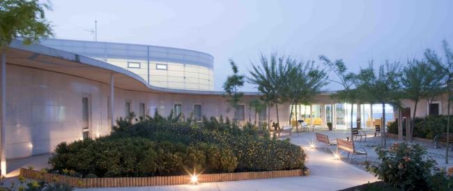 Domy spokojnej starosci moga tez zachwycac - nowoczesna architektura i nowoczesny obiekt-santa rita-nursing home04