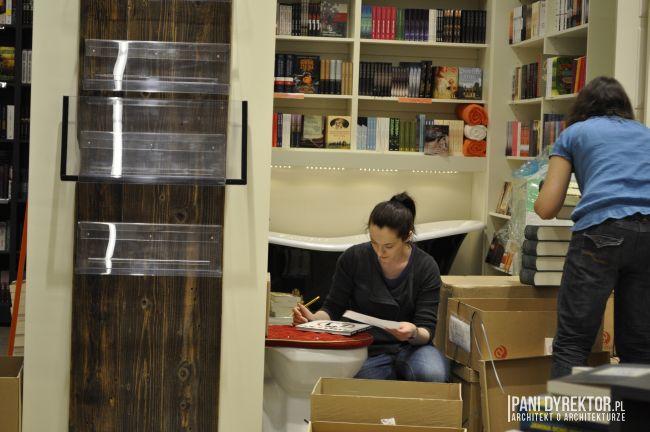 otwarcie-ksiegarni-autorska-wyjatkowa-ksiazki-sklep-dom-design-sanok-09