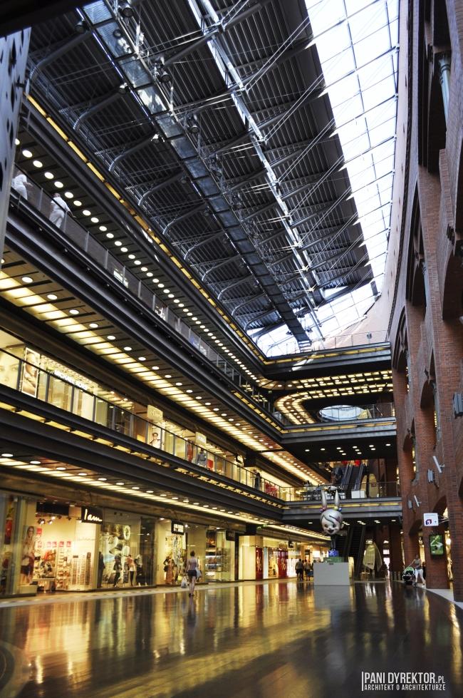 stary-browar-w-poznaniu-miejsce-wyjatkowe-renowacja-rewitalizacja-wnętrze-postindustrialne-przebudowa-polska-architektura-industrialne-wnetrze-galeria-handlowa-01