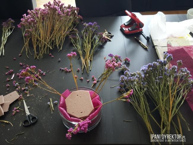 dekoracje-jesienne-bukiet-suchych-kwiatow-jak-zrobic-ulozyc-deco-autumn-zrob-to-sam-diy-zatrwian-limoniom-suszki-bukiety-08