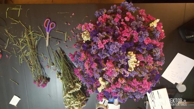 dekoracje-jesienne-bukiet-suchych-kwiatow-jak-zrobic-ulozyc-deco-autumn-zrob-to-sam-diy-zatrwian-limoniom-suszki-bukiety-16