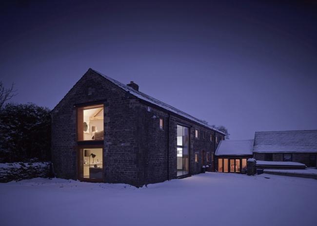 wspaniałe stodoły zamienione w domy nowoczesne stodoły mieszkalne renowacja stodoły cat hill barn Anglia 01