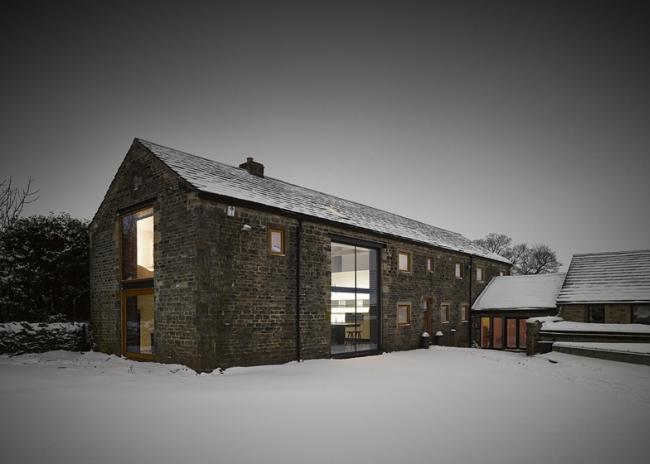 wspaniałe stodoły zamienione w domy nowoczesne stodoły mieszkalne renowacja stodoły cat hill barn Anglia 03