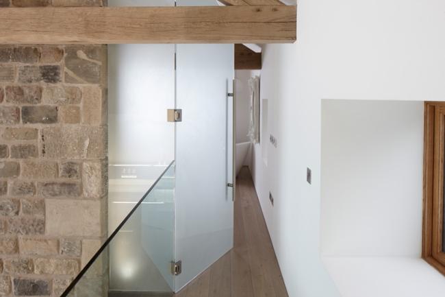 wspaniałe stodoły zamienione w domy nowoczesne stodoły mieszkalne renowacja stodoły cat hill barn Anglia 18