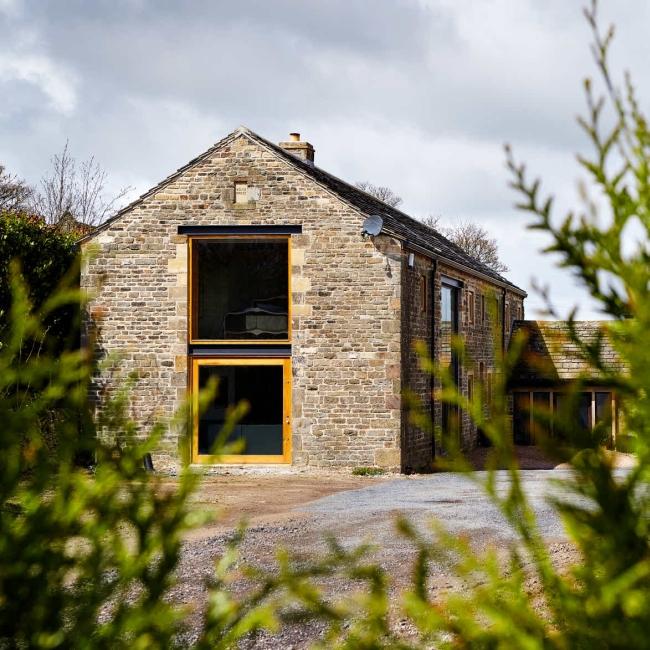 wspaniałe stodoły zamienione w domy nowoczesne stodoły mieszkalne renowacja stodoły cat hill barn Anglia 23