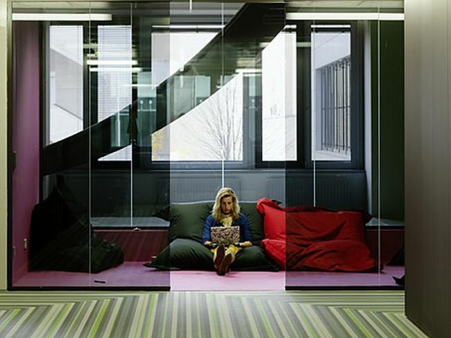kreatywna przestrzeń biurowa wnętrze biurowe miejsce pracyw biurze inspiracje pomysły design biura 28