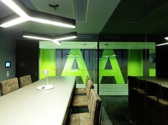 kreatywna przestrzeń biurowa wnętrze biurowe miejsce pracyw biurze inspiracje pomysły design biura 34