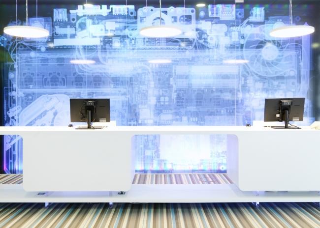 kreatywna przestrzeń biurowa wnętrze biurowe miejsce pracyw biurze inspiracje pomysły design biura 35