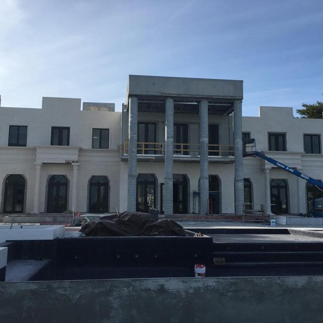 lisa hochstein house dom amerykański luksusowa rezydencja domy gwiazd amerykańska willa marzeń 22