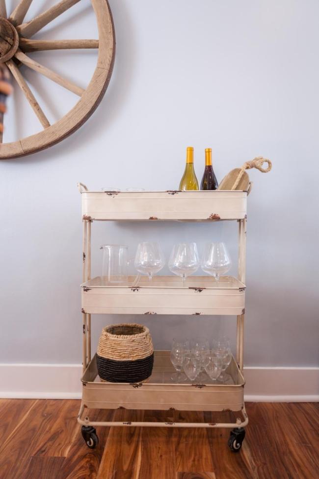 miejsce na alkohol mini barek bar gdzie w domu umieścić alkohol inspiracje pomysły rozwiązania 63