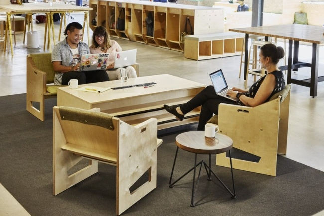 nowoczesne biura wielkich korporacji projekt nowoczesne wnętrze pomysłowe design inspiracja jak urzadzic wnetrze pomysl 24
