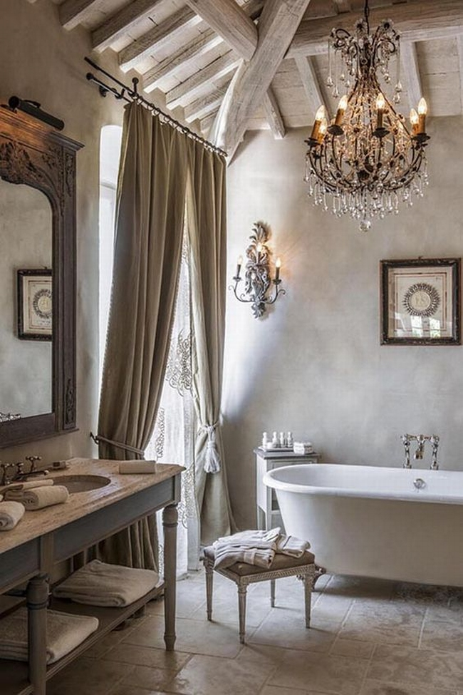 romantyczna łazienka w stylu francuskim łazienka glamour zdobiona łazienka delikatna łazienka bogata łazienka inspiracje 27