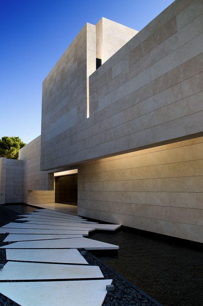 luksusowa-willa-z-basenem-dom-marzen-willa-marzen-design-inspiracje-nowoczesne-domy-luksusowa-rezydencja-nowoczesna-willa-modern-architecture-modern-house-with-pool-056