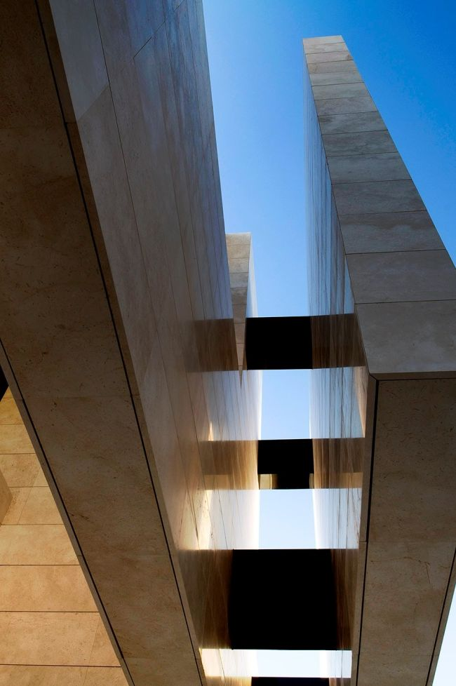 luksusowa-willa-z-basenem-dom-marzen-willa-marzen-design-inspiracje-nowoczesne-domy-luksusowa-rezydencja-nowoczesna-willa-modern-architecture-modern-house-with-pool-060