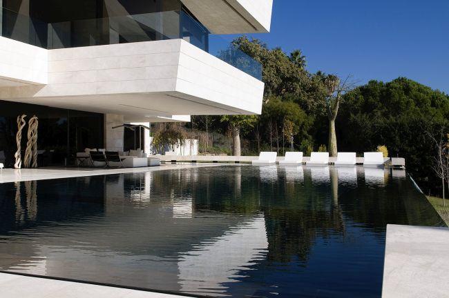 luksusowa-willa-z-basenem-dom-marzen-willa-marzen-design-inspiracje-nowoczesne-domy-luksusowa-rezydencja-nowoczesna-willa-modern-architecture-modern-house-with-pool-066