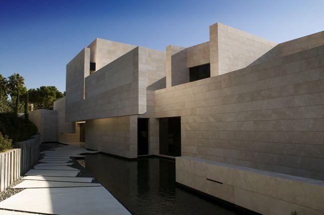 luksusowa-willa-z-basenem-dom-marzen-willa-marzen-design-inspiracje-nowoczesne-domy-luksusowa-rezydencja-nowoczesna-willa-modern-architecture-modern-house-with-pool-073