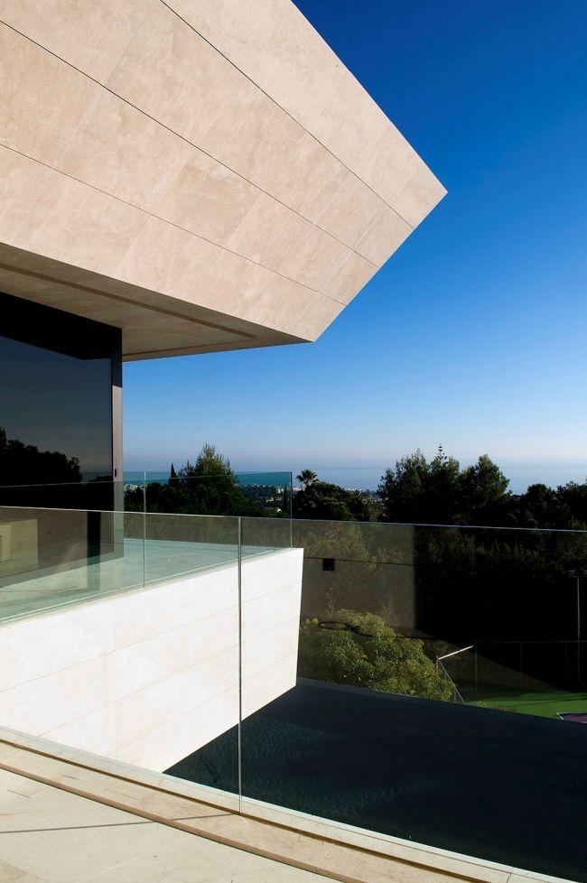 luksusowa-willa-z-basenem-dom-marzen-willa-marzen-design-inspiracje-nowoczesne-domy-luksusowa-rezydencja-nowoczesna-willa-modern-architecture-modern-house-with-pool-082