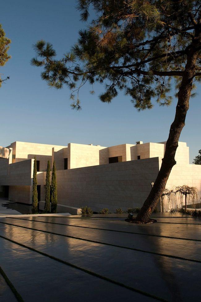 luksusowa-willa-z-basenem-dom-marzen-willa-marzen-design-inspiracje-nowoczesne-domy-luksusowa-rezydencja-nowoczesna-willa-modern-architecture-modern-house-with-pool-088
