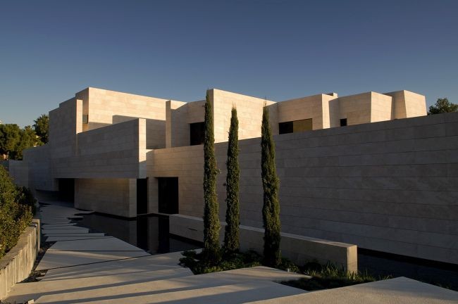 luksusowa-willa-z-basenem-dom-marzen-willa-marzen-design-inspiracje-nowoczesne-domy-luksusowa-rezydencja-nowoczesna-willa-modern-architecture-modern-house-with-pool-089