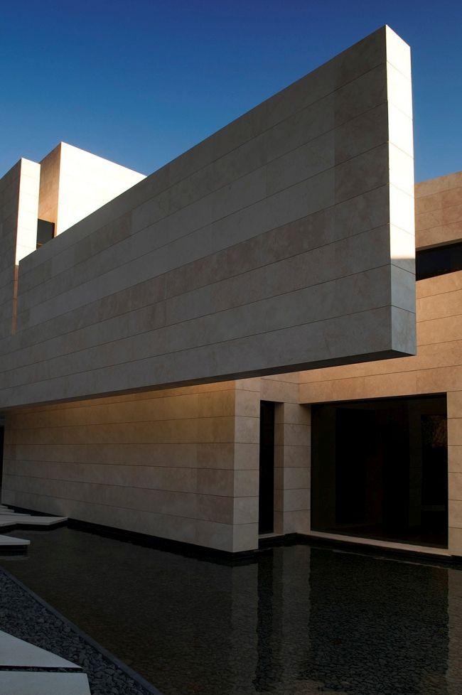 luksusowa-willa-z-basenem-dom-marzen-willa-marzen-design-inspiracje-nowoczesne-domy-luksusowa-rezydencja-nowoczesna-willa-modern-architecture-modern-house-with-pool-090
