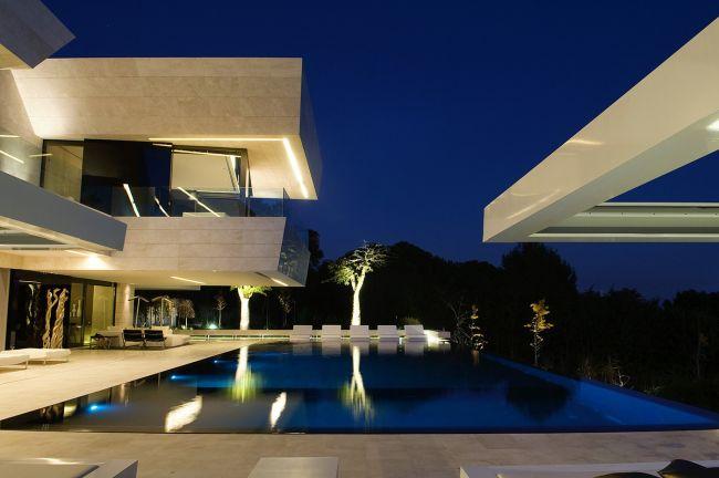 luksusowa-willa-z-basenem-dom-marzen-willa-marzen-design-inspiracje-nowoczesne-domy-luksusowa-rezydencja-nowoczesna-willa-modern-architecture-modern-house-with-pool-114