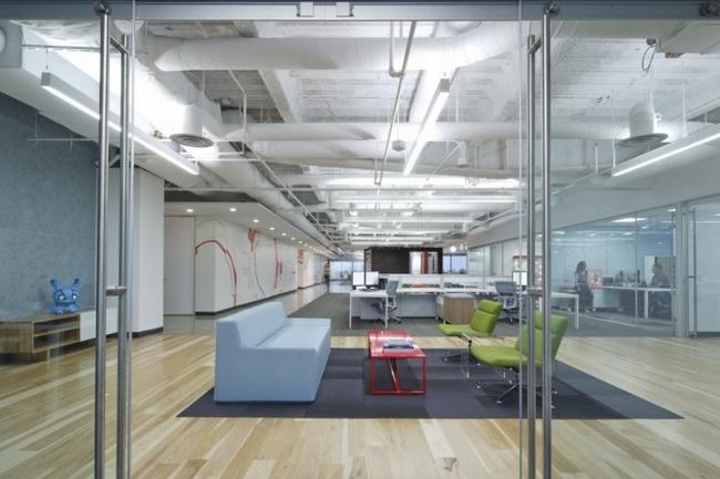 nowoczesna przestrzeń biurowa biura wielkich korporacji nowoczesne biuro inspiracje design nowoczesnego biura 07