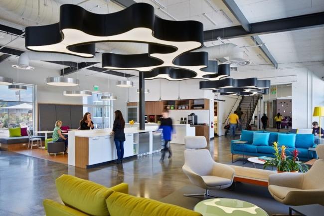 nowoczesne biuro kreatywna przestrzeń biurowa inspiracje pomysły realizacja kreatywne biuro nowoczesne 13